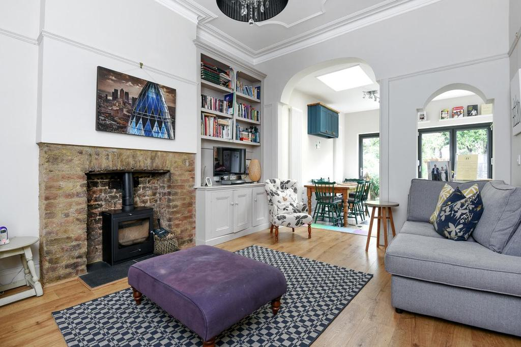 3 Bedrooms Flat for sale in Huron Road, Balham