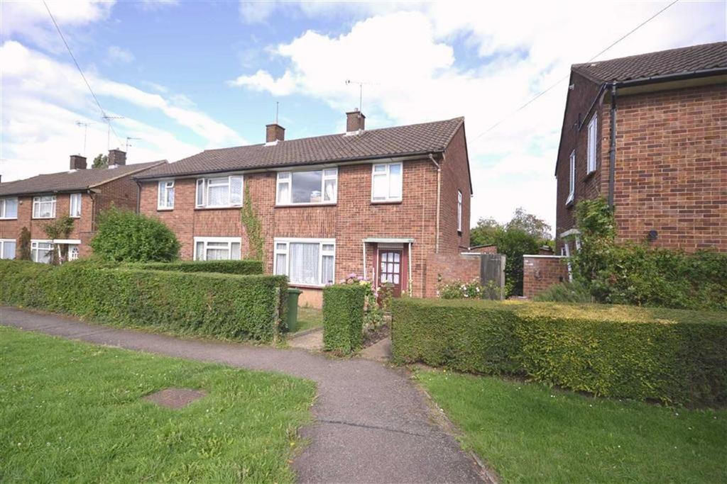 3 Bedrooms Semi Detached House for sale in Manor Way, Borehamwood