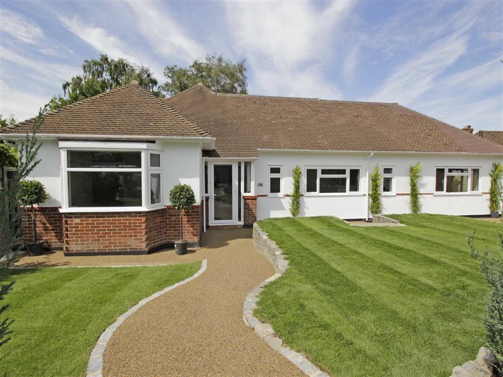 3 Bedrooms Detached Bungalow for sale in Monks Way, Petts Wood, Kent