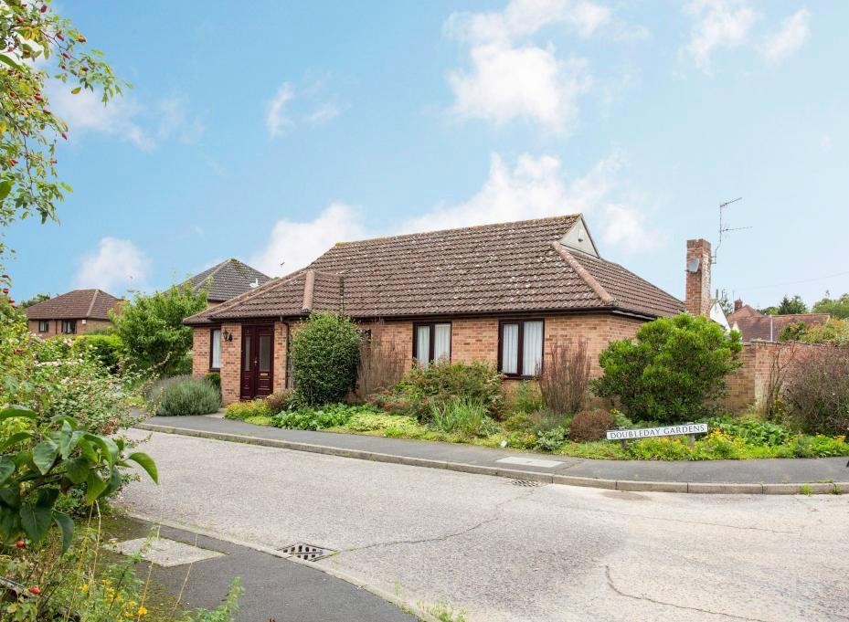 3 Bedrooms Detached Bungalow for sale in Doubleday Gardens, Braintree, Essex, CM7