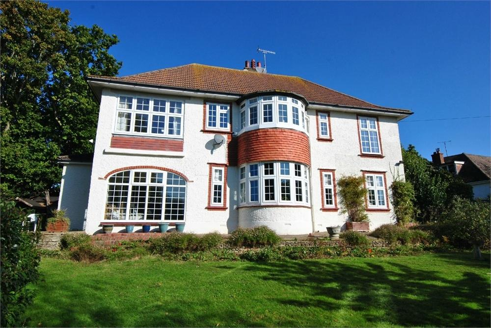 4 Bedrooms Detached House for sale in Plemont Gardens, BEXHILL-ON-SEA, East Sussex