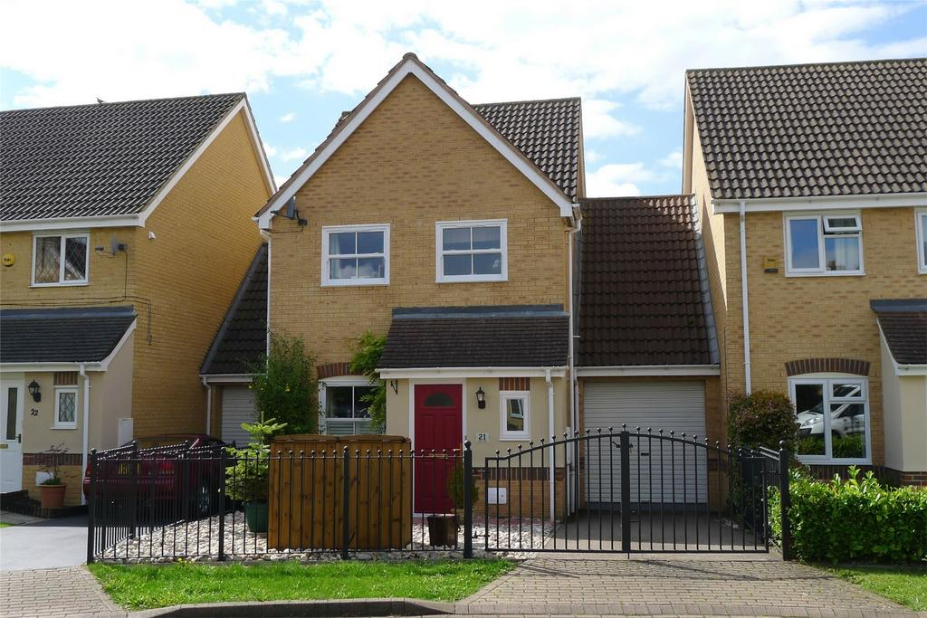 3 Bedrooms Link Detached House for sale in Howberry Green, Arlesey, Bedfordshire