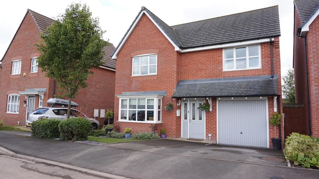 4 Bedrooms Detached House for sale in Carsington Drive, Brindley Village, Stoke-On-Trent, Staffs