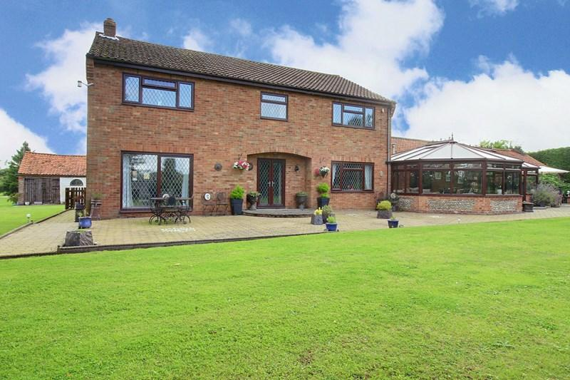 4 Bedrooms Detached House for sale in Water End Lane, Beeston, King's Lynn