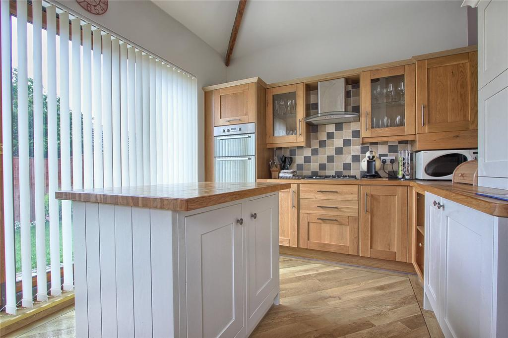 2 Bedrooms Bungalow for sale in Lilac Grove, Redcar