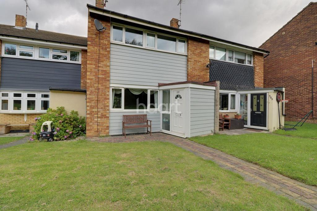3 Bedrooms Terraced House for sale in Arterial Road, Leigh-On-Sea