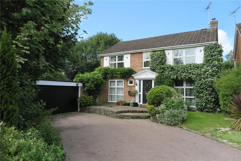 4 Bedrooms Detached House for sale in Blenheim Crescent, Farnham, Surrey, GU9