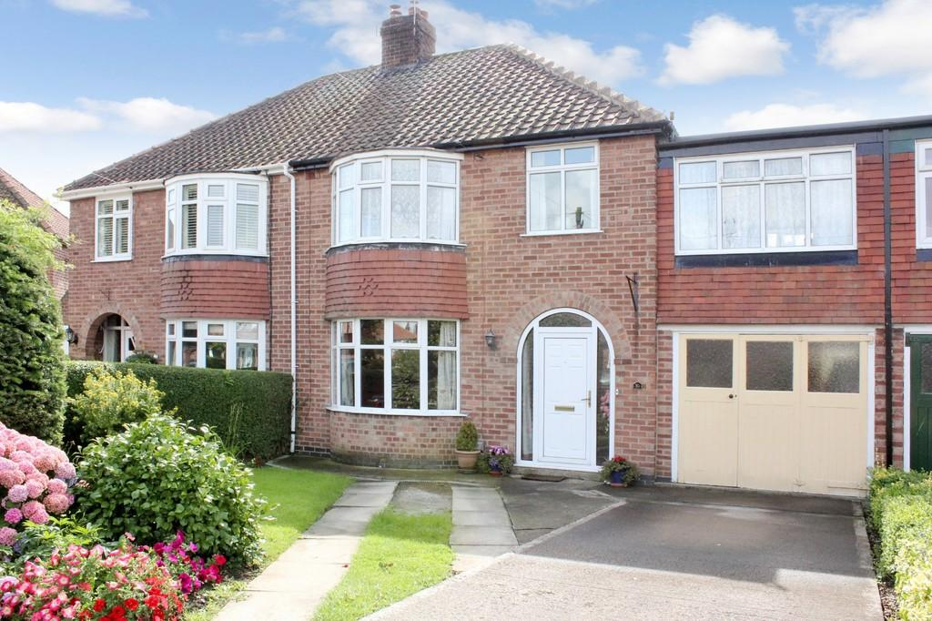4 Bedrooms Semi Detached House for sale in 10 Heslington Croft Fulford York YO10 4NB