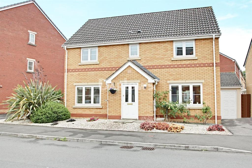 4 Bedrooms Detached House for sale in Wyncliffe Gardens, Pentwyn, Cardiff
