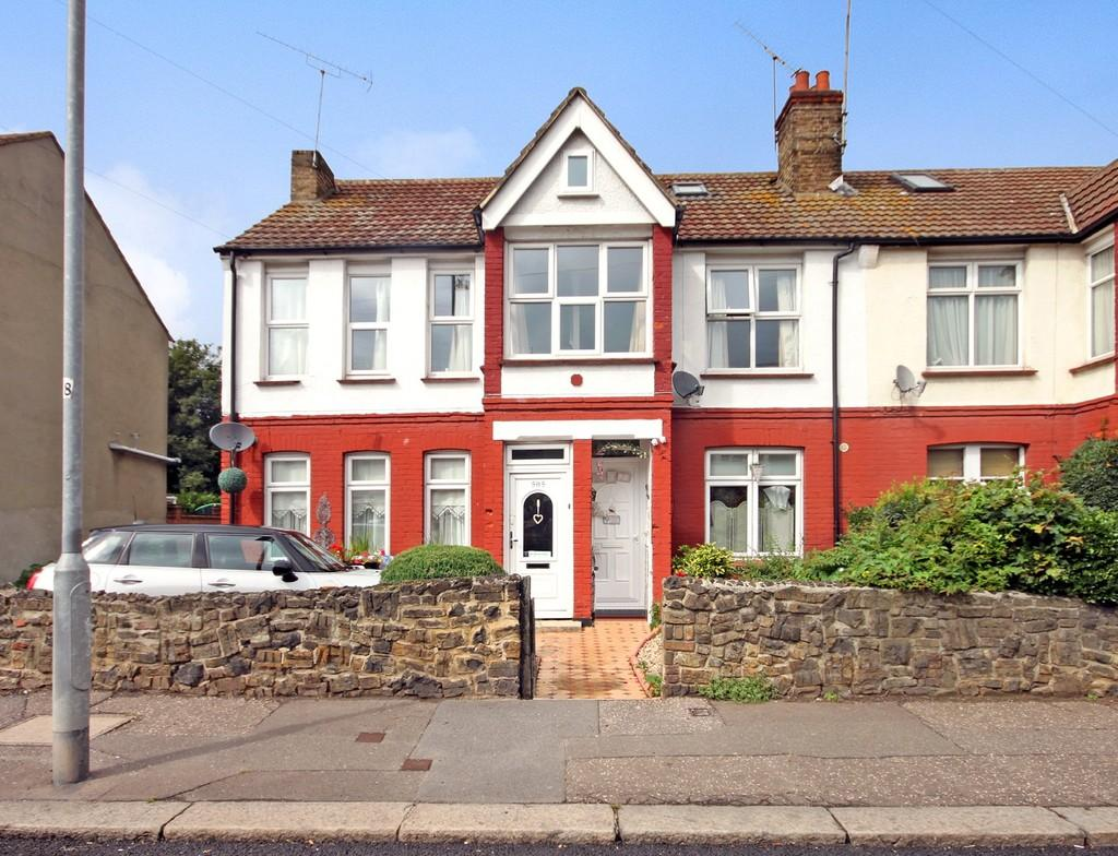 4 Bedrooms Maisonette Flat for sale in Fairfax Drive , Westcliff-on-sea