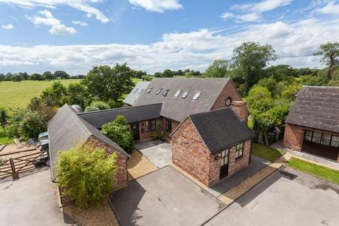 5 bedroom barn for sale - Lane End Court, Chorlton Lane, Chorlton, Nr Nantwich