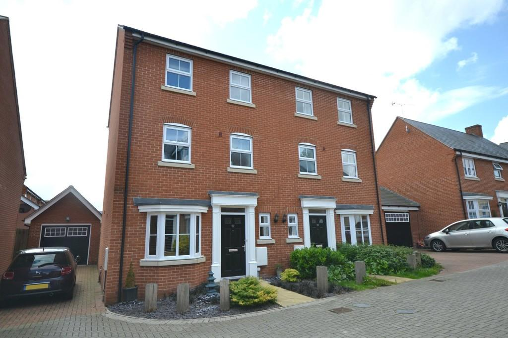 4 Bedrooms Semi Detached House for sale in Allard Way, Saffron Walden