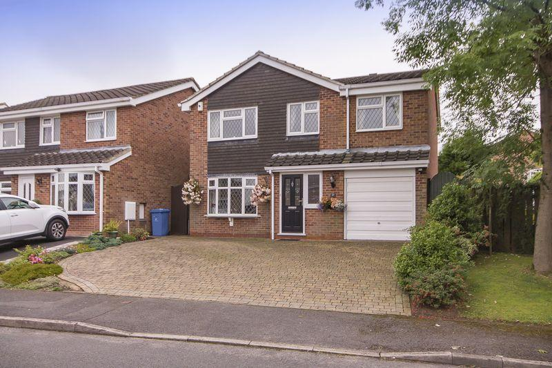 4 Bedrooms Detached House for sale in STANAGE GREEN, MICKLEOVER