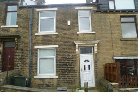 3 bedroom terraced house to rent - Back Field, BRADFORD