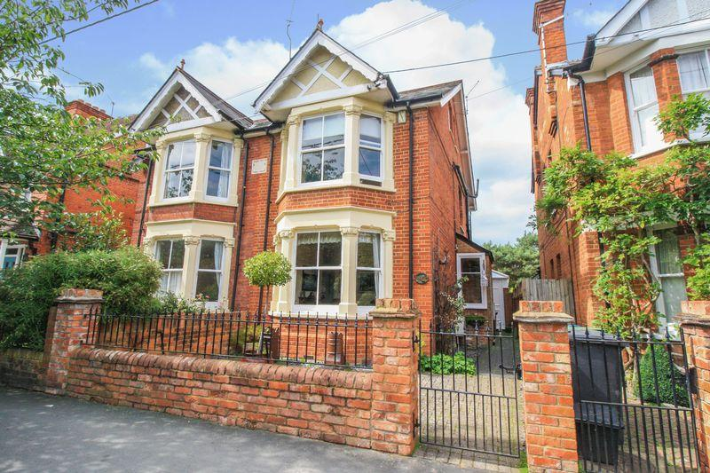 4 Bedrooms Semi Detached House for sale in Claremont Road, Marlow