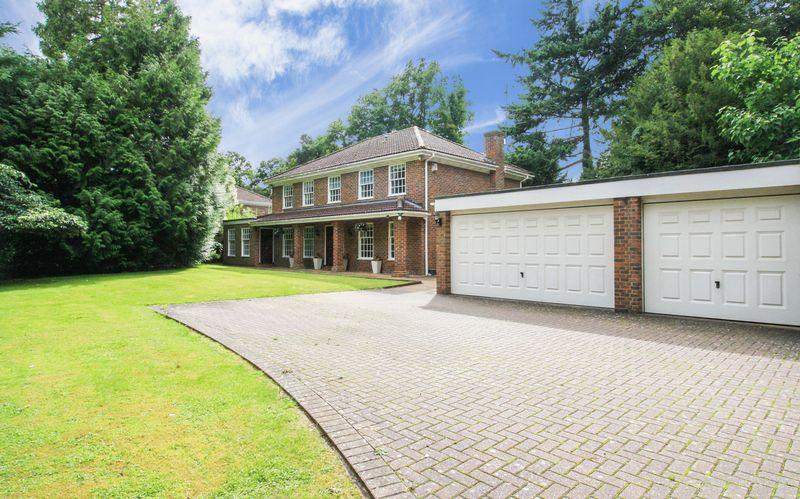 5 Bedrooms Detached House for sale in MAIDENHEAD