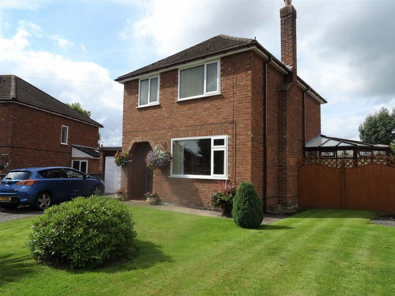 3 Bedrooms Detached House for sale in Worsley Avenue, Wrexham