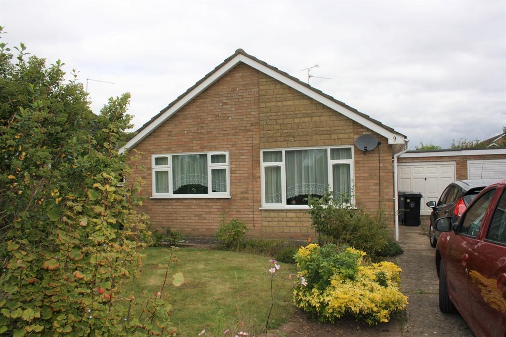 2 Bedrooms Detached Bungalow for sale in Oak Crescent, Bourne, PE10