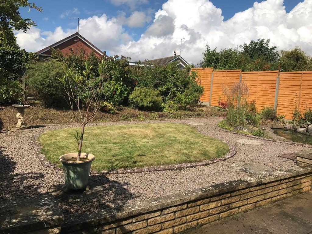 2 Bedrooms Detached Bungalow for sale in Oak Crescent, Bourne, PE10