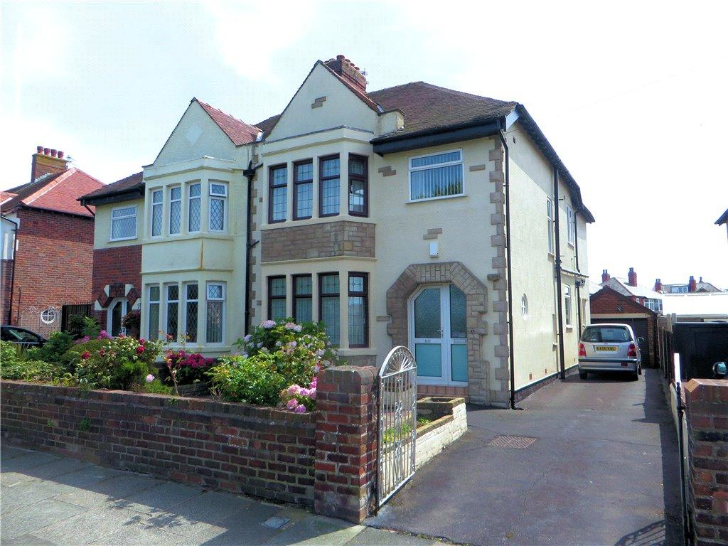 4 Bedrooms Semi Detached House for sale in Shaftesbury Avenue, Bispham, Blackpool