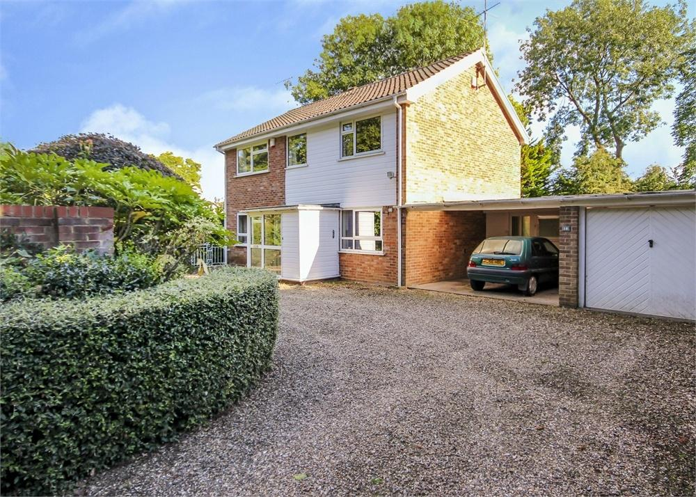 4 Bedrooms Detached House for sale in Holly Spring Lane, Bracknell, Berkshire