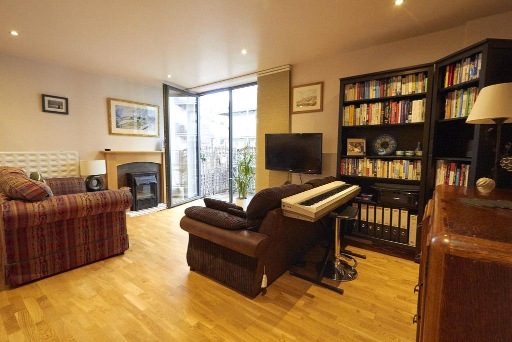 2 Bedrooms Flat for sale in The Mews, Advent Way, Manchester, Greater Manchester, M4