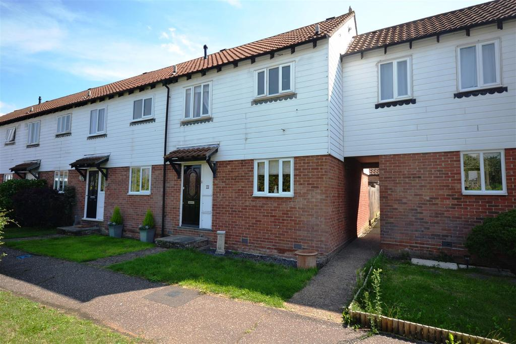 3 Bedrooms Terraced House for sale in Blake Court, South Woodham Ferrers