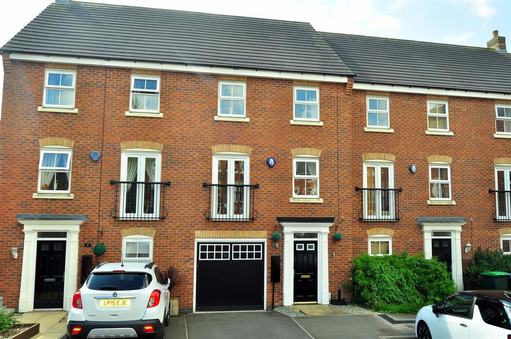3 Bedrooms Town House for sale in Dovey Grove, Rowley Regis