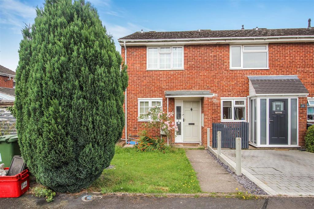 3 Bedrooms Semi Detached House for sale in Slade Meadow, Radford Semele, Leamington Spa