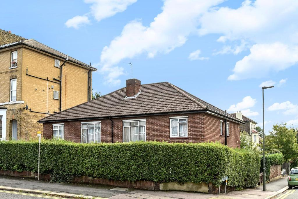 2 Bedrooms Maisonette Flat for sale in Oakfield Road, Anerley