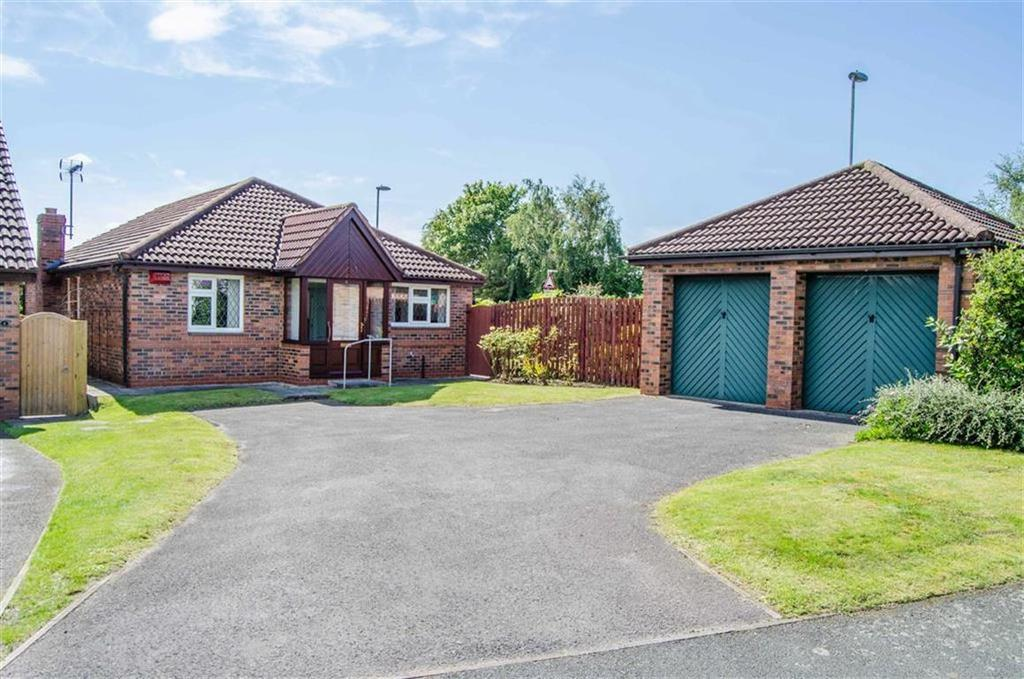 3 Bedrooms Detached Bungalow for sale in Robinsons Croft, Great Boughton, Chester, Chester