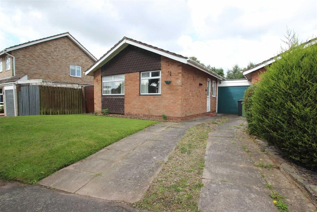 2 Bedrooms Detached Bungalow for sale in Lyall Close, Hampton Dene, Hereford