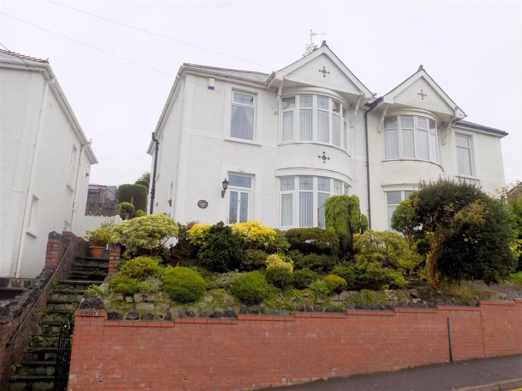 3 Bedrooms House for sale in Shelone Road, Neath