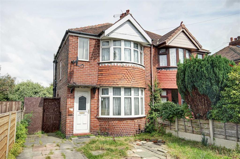 2 Bedrooms Semi Detached House for sale in Rossett Avenue, Timperley, Cheshire