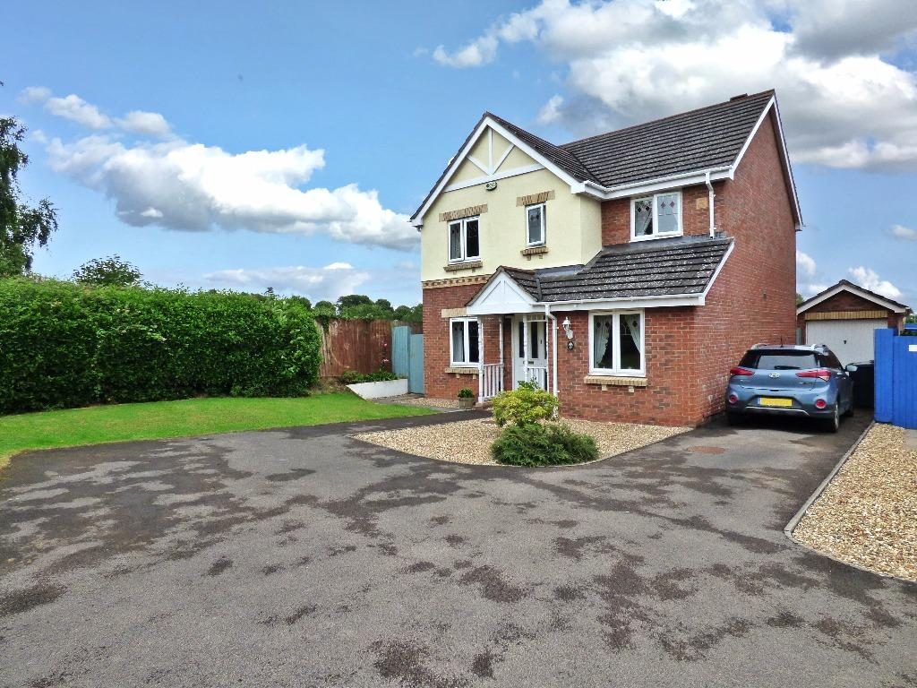 4 Bedrooms Detached House for sale in Centurion Way, Credenhill, Hereford