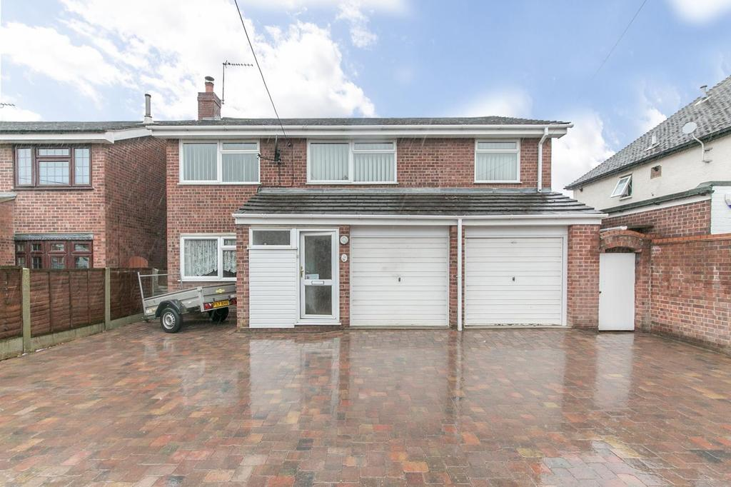 5 Bedrooms Detached House for sale in Villa Road, Stanway, Colchester, Essex, CO3
