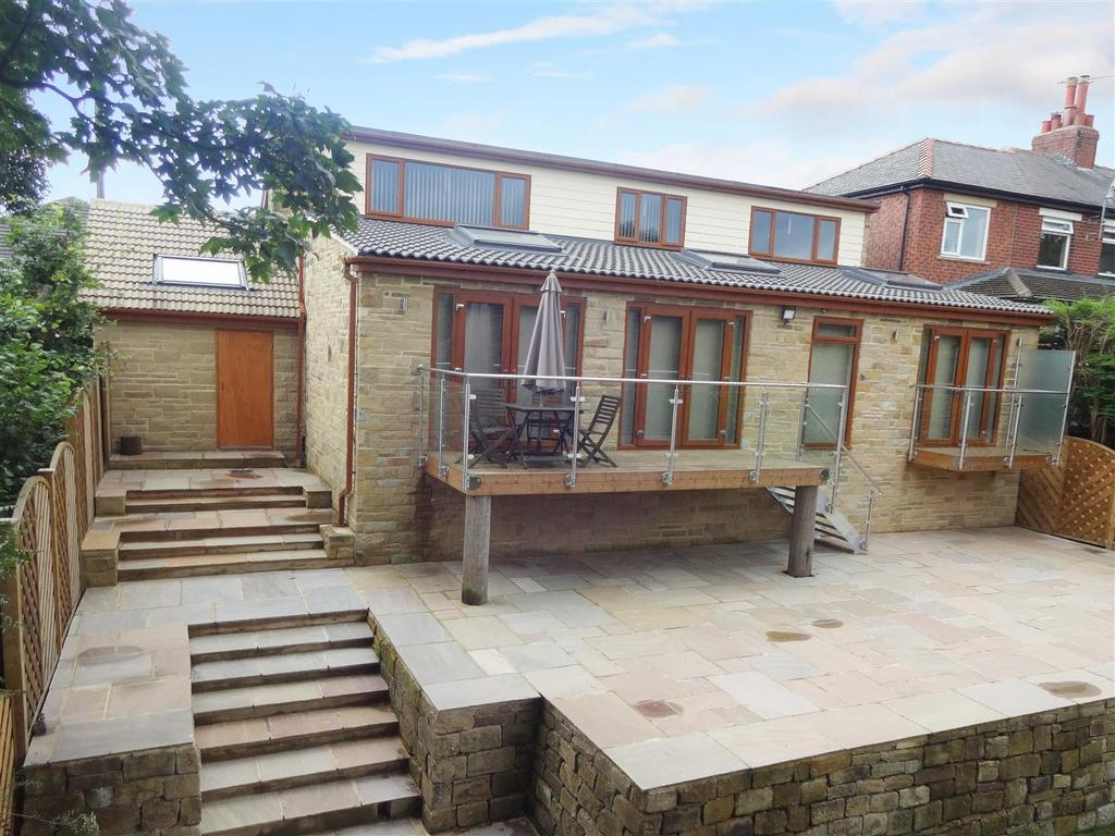 4 Bedrooms Detached House for sale in Belmont Grove, Rawdon
