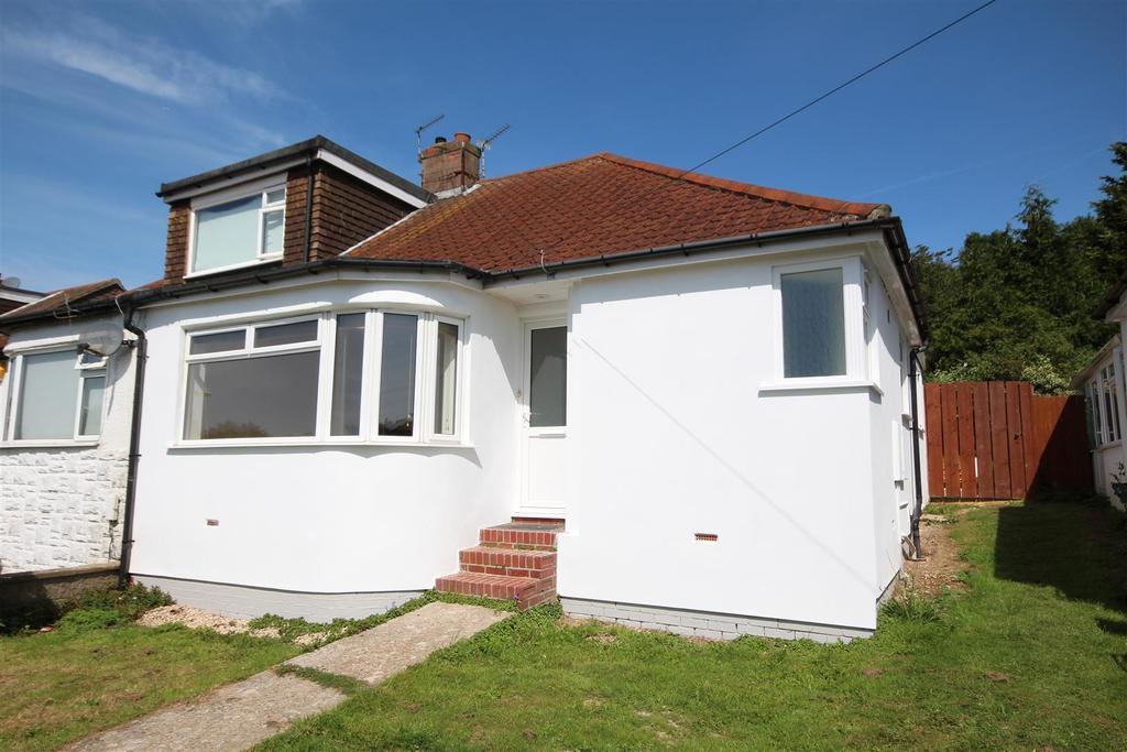 2 Bedrooms Semi Detached Bungalow for rent in Braeside Avenue, Patcham, Brighton