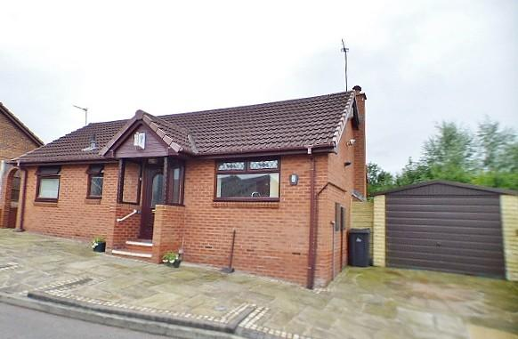 2 Bedrooms Detached Bungalow for sale in Eccleston Drive, Runcorn