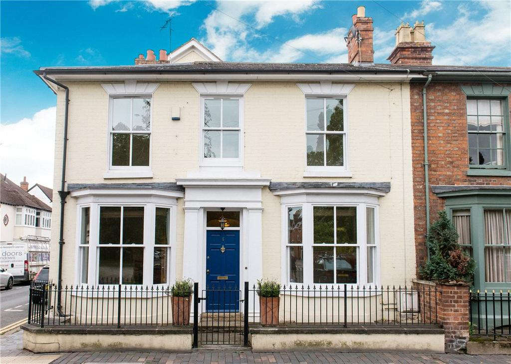 3 Bedrooms Town House for sale in Chestnut Walk, Stratford-upon-Avon, CV37