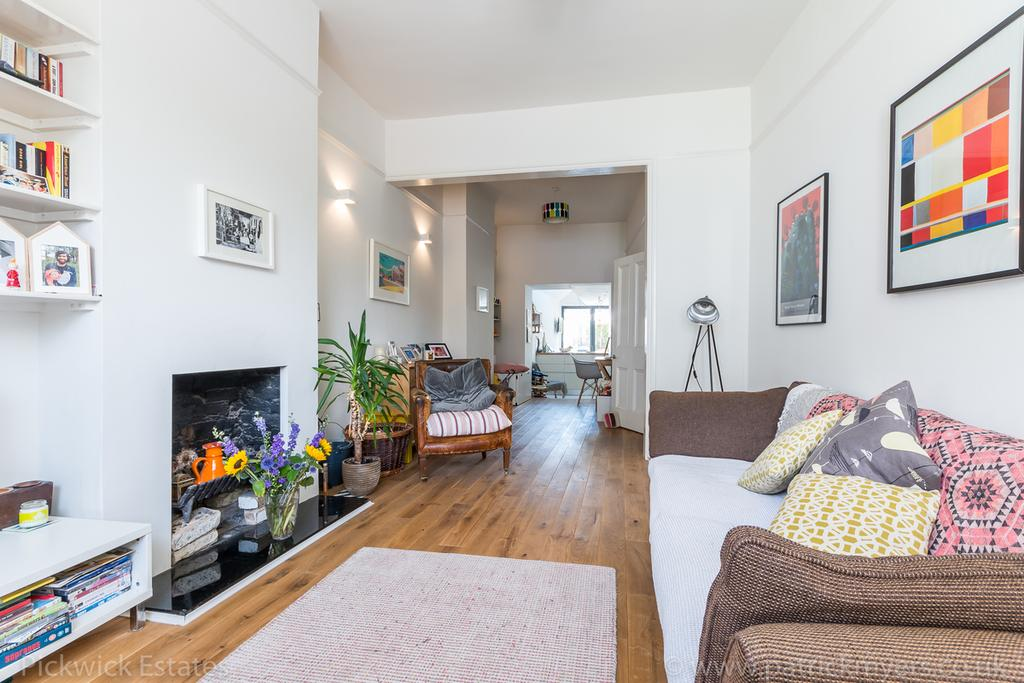 4 Bedrooms Terraced House for sale in Melford Road