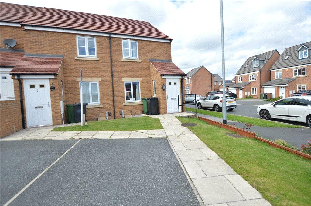 2 Bedrooms Terraced House for sale in St. Benedict Mews, Leeds, West Yorkshire