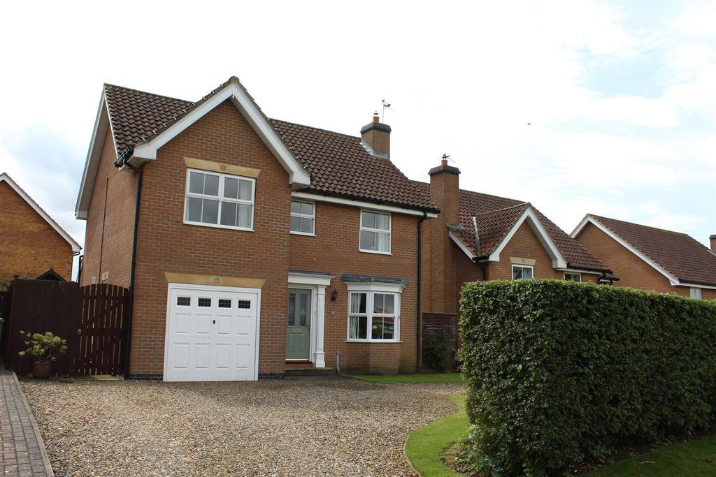 4 Bedrooms Detached House for sale in Beverley Road, Market Weighton, York