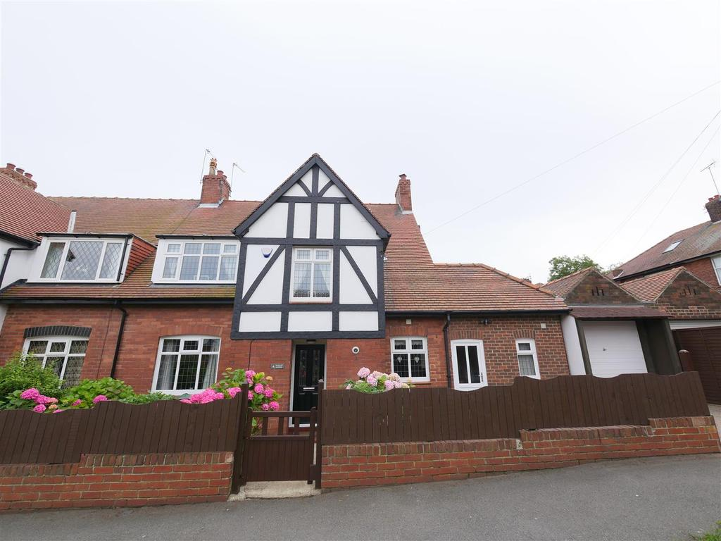 4 Bedrooms Semi Detached House for sale in Raglan Avenue, Grangetown, Sunderland