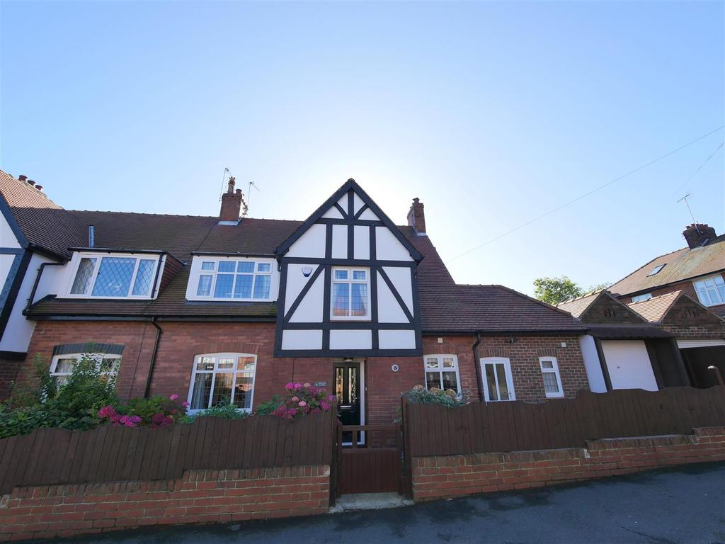 4 Bedrooms Semi Detached House for sale in Raglan Avenue, Grangetown, Sunderland