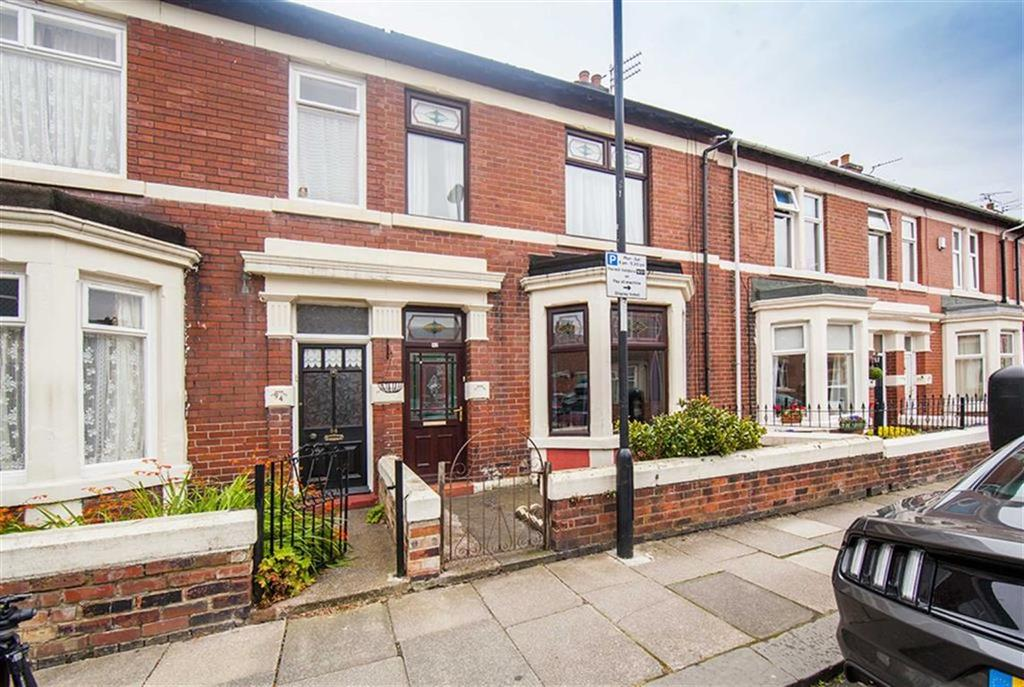 6 Bedrooms Terraced House for sale in Laburnum Avenue, Wallsend, Tyne Wear, NE28