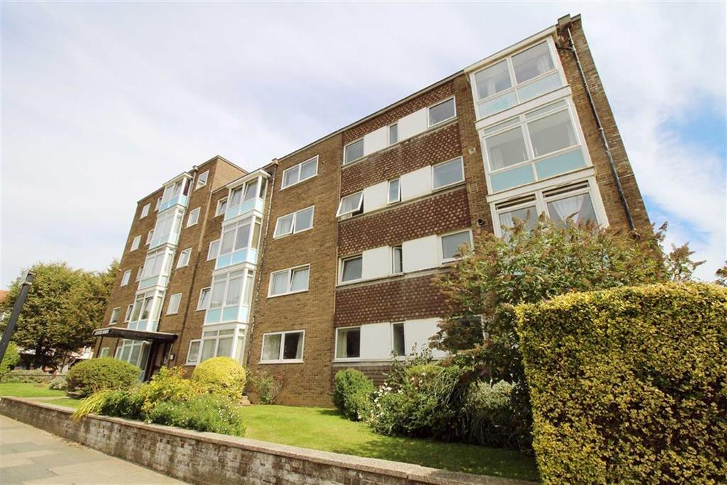 3 Bedrooms Apartment Flat for sale in Aymer House, Hove, East Sussex