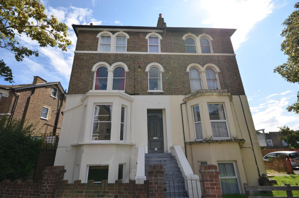 1 Bedroom Ground Flat for sale in Mount Pleasant Road London SE13