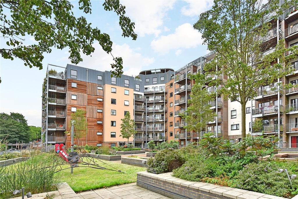 2 Bedrooms Flat for sale in Seren Park Gardens, London