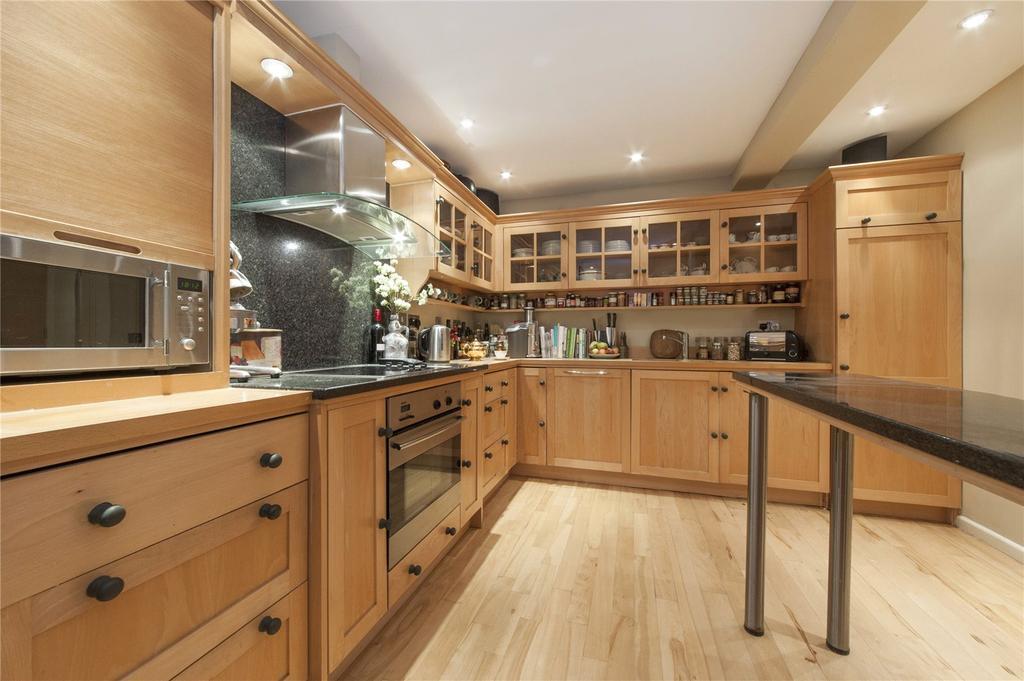 1 Bedroom Flat for sale in West Heath Road, Hampstead, London